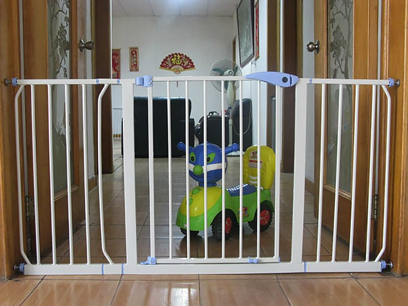 Important Things to Consider Before Buying a Baby Safety Gate